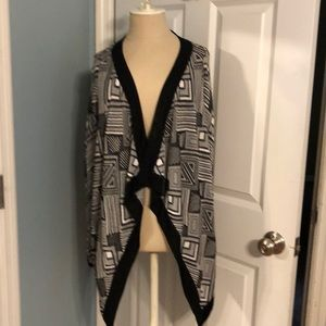 Black and white patterned sweater coat